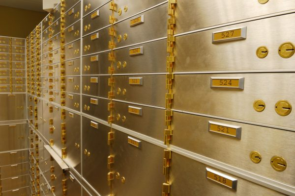 Benefits of Bank Deposit Lockers